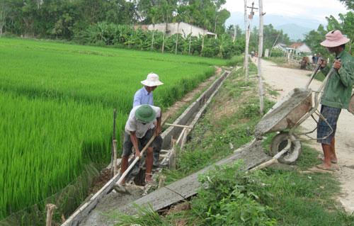 Quảng Nam dành hàng trăm tỷ đồng đầu tư phát triển thủy lợi nhỏ, thủy lợi nội đồng và tưới tiên tiến, tiết kiệm nước - Ảnh 1.