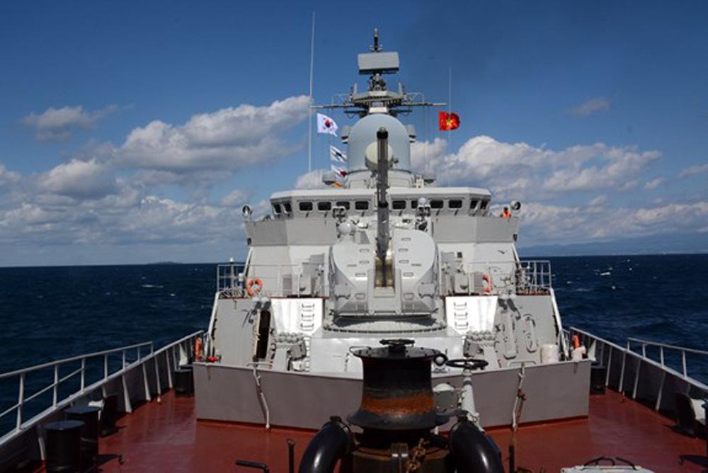 Cận cảnh 2 chiến hạm hiện đại bậc nhất Việt Nam tham gia tranh tài tại Army Games - Ảnh 4.