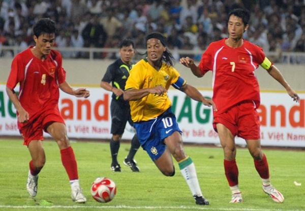 Vũ Như Thành từng đối đầu với Ronaldinho.