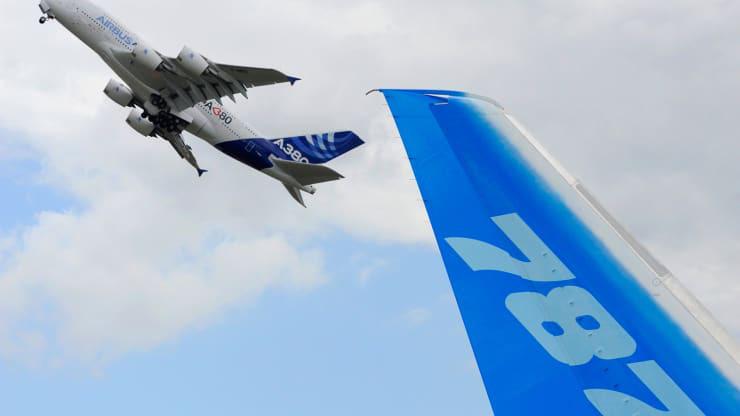 Mỹ - EU lùi 1 bước trong vụ tranh chấp thập kỷ để cứu Airbus và Boeing - Ảnh 1.