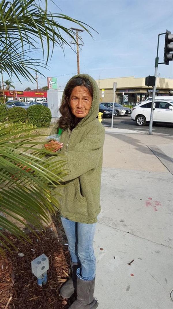 Ca sĩ nổi danh Kim Ngân ở tuổi 58: Cuộc sống cô độc, lang thang tại Mỹ gây xót xa - Ảnh 4.