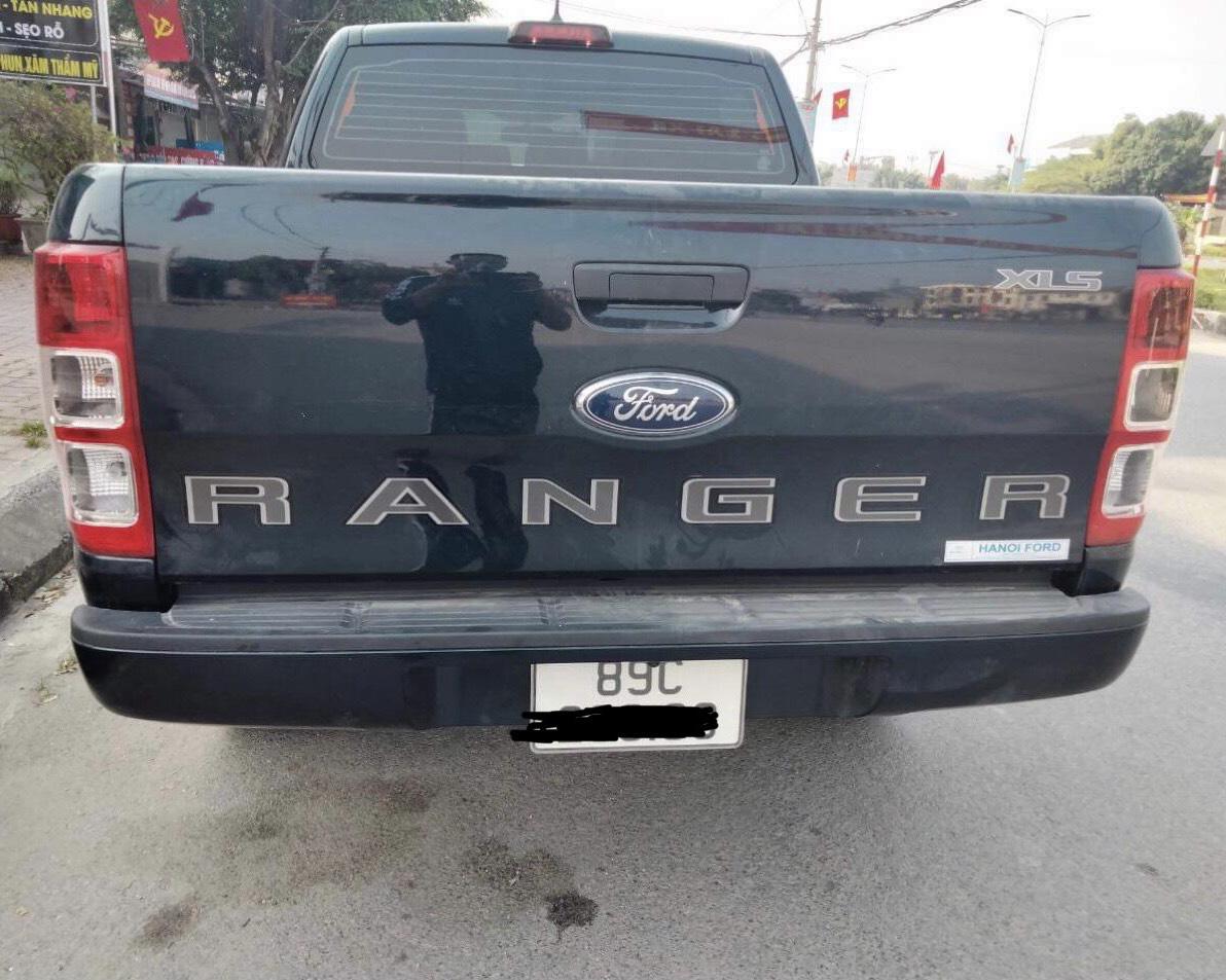 Ford Ranger gãy ốc của bánh sau 3 tháng mua, chủ xe hoang mang - Ảnh 1.