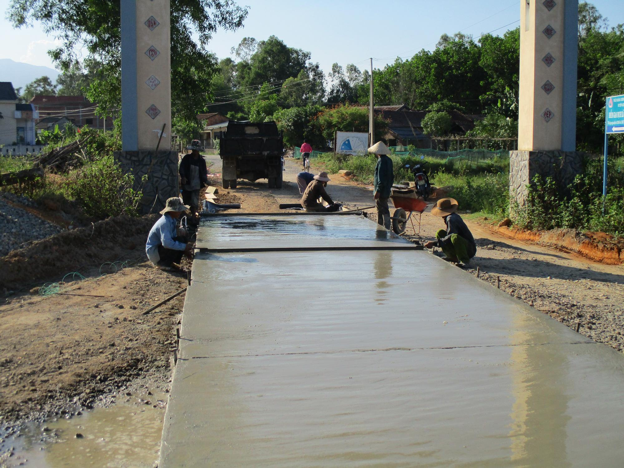Quảng Nam dành hàng trăm tỷ đồng đầu tư phát triển thủy lợi nhỏ, thủy lợi nội đồng và tưới tiên tiến, tiết kiệm nước - Ảnh 2.