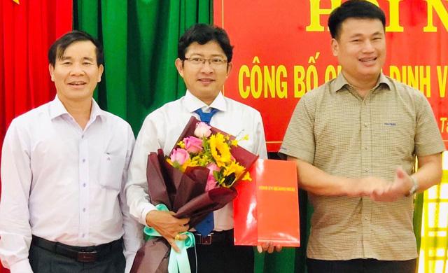 Quảng Ngãi: Luân chuyển, giới thiệu và bầu chức danh lãnh đạo chủ chốt cấp huyện  - Ảnh 1.