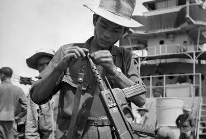 """""""Sát thần đánh Mỹ"""" được Việt Nam cải tiến từ tiểu liên của Pháp - Ảnh 8."""