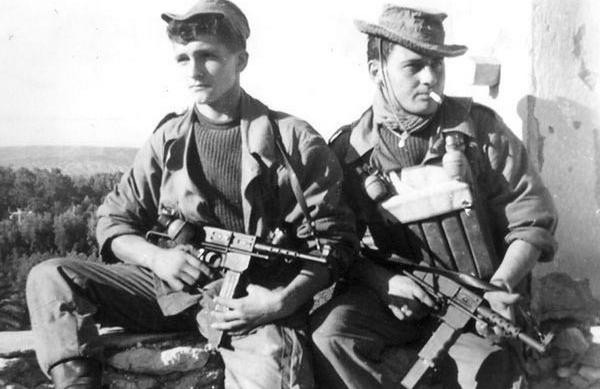"""""""Sát thần đánh Mỹ"""" được Việt Nam cải tiến từ tiểu liên của Pháp - Ảnh 9."""