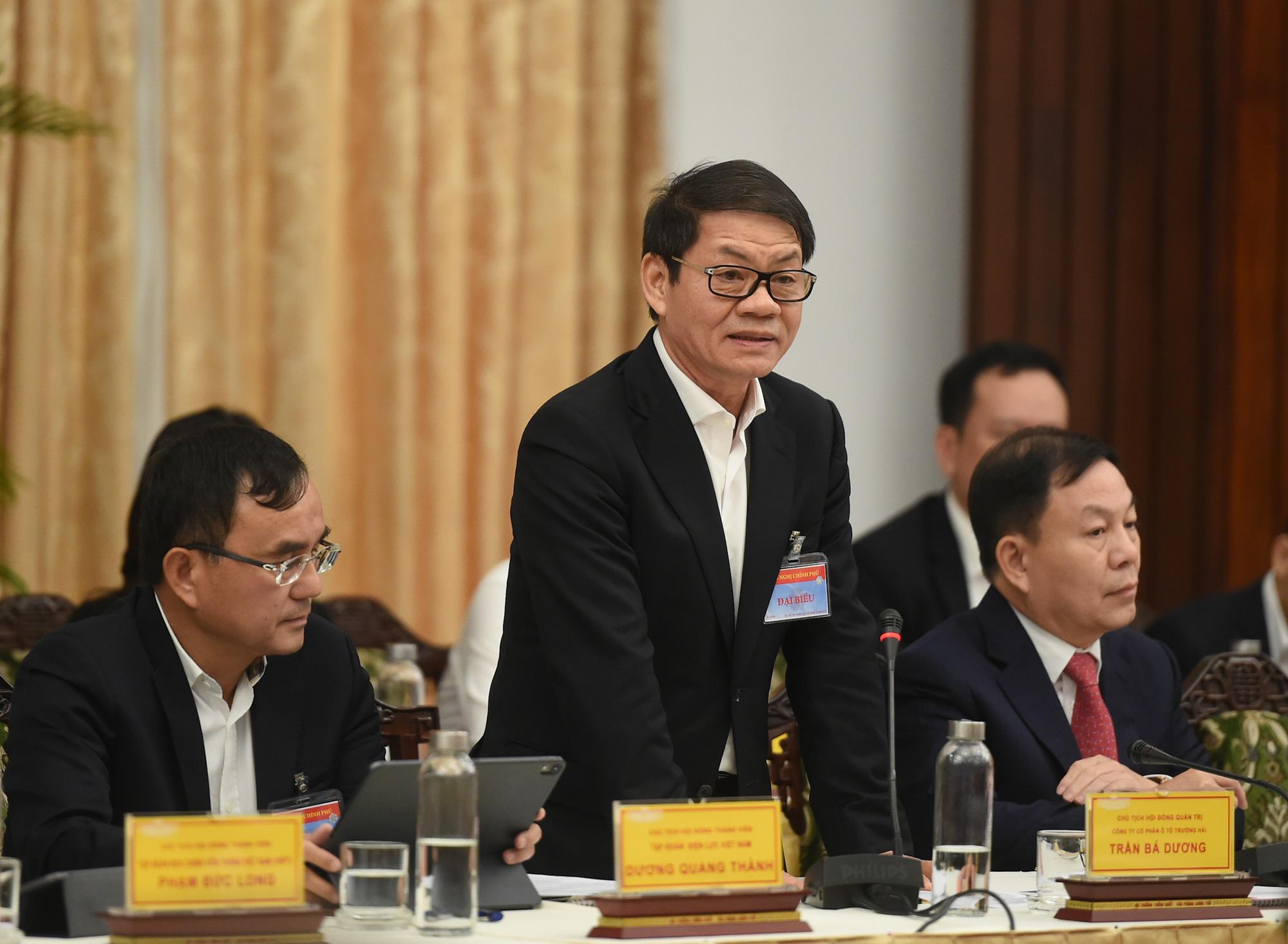 Tỷ phú Trần Bá Dương: DN có gánh nặng rất lớn về doanh thu, bởi đằng sau đó còn là hàng nghìn người lao động - Ảnh 1.