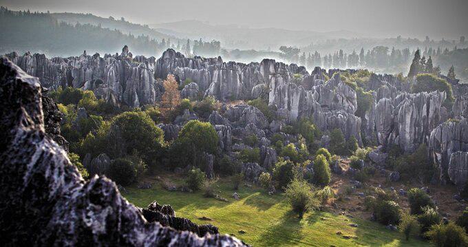 Lạc vào mê cung rừng đá 270 triệu năm tuổi - Ảnh 1.