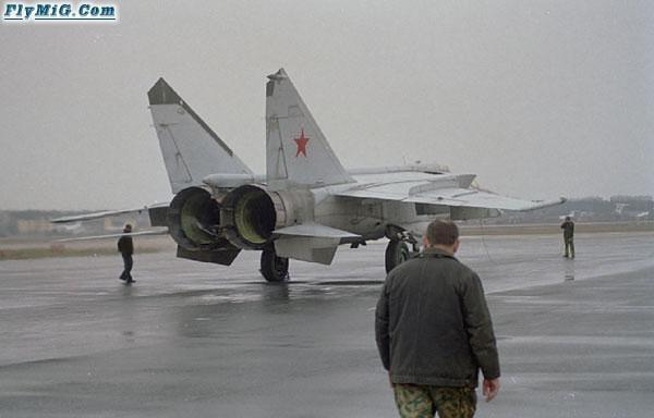 """MiG-25 Liên Xô trốn sang Nhật (kỳ 1): Phương Tây như """"chết đuối vớ được cọc"""" - Ảnh 10."""