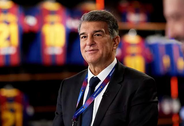 Juan Laporta trở thành chủ tịch thứ 42 của Barcelona.