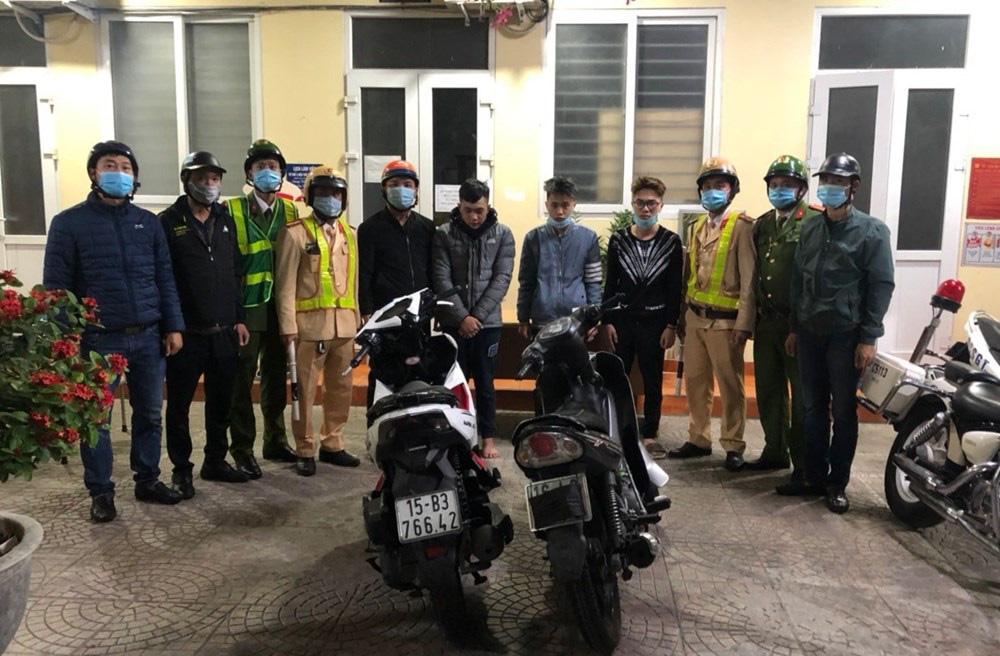 Hải Phòng: Khen thưởng Công an quận Hồng Bàng bắt giữ 20 thanh thiếu niên đua xe và đi xe bằng 1 bánh - Ảnh 1.