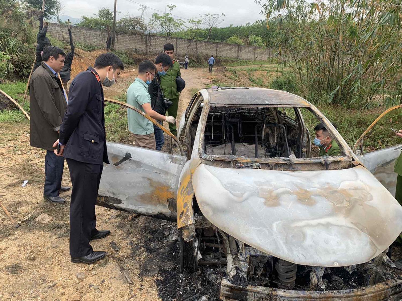 Quảng Ninh: Tạm giữ hình sự đối tượng uống rượu chém người, đốt xe ô tô - Ảnh 2.