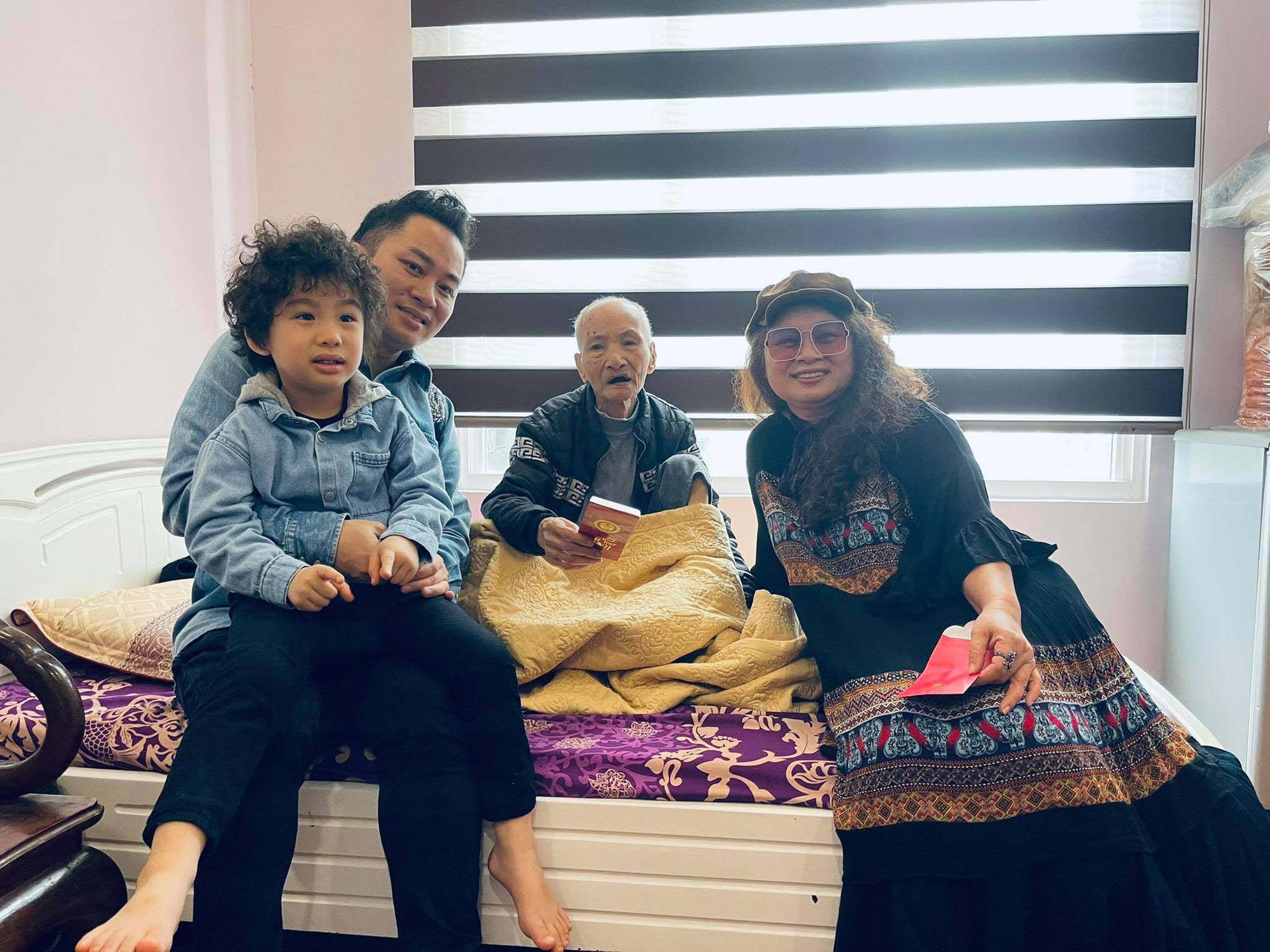 Ngày 8/3 Tùng Dương chia sẻ về ba người phụ nữ đặc biệt trong đời mình - Ảnh 3.