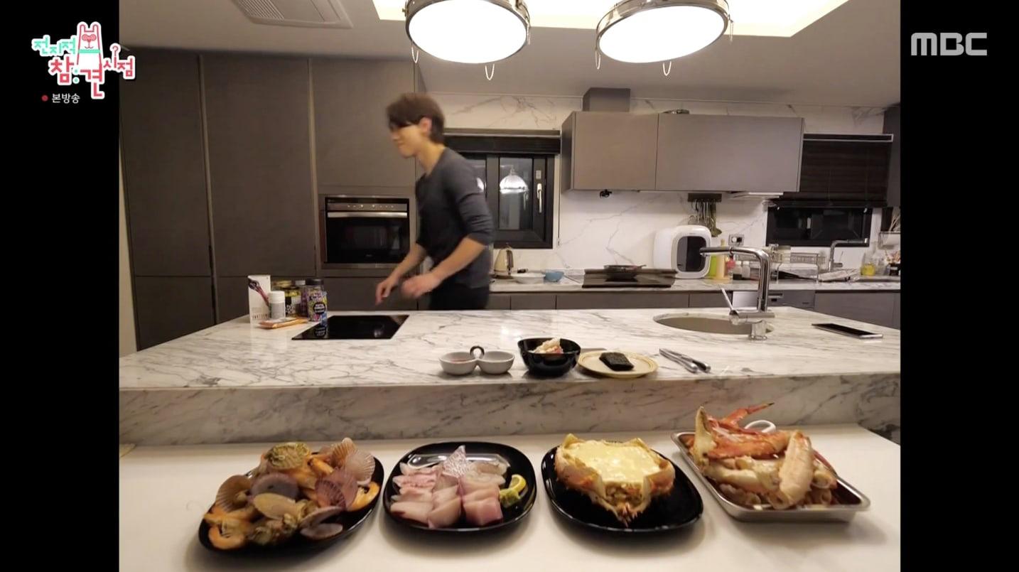 Bi Rain lần đầu hé lộ căn bếp siêu sang của biệt thự trăm tỷ, trổ tài nấu cho Kim Tae Hee đúng chuẩn nghiện vợ - Ảnh 5.