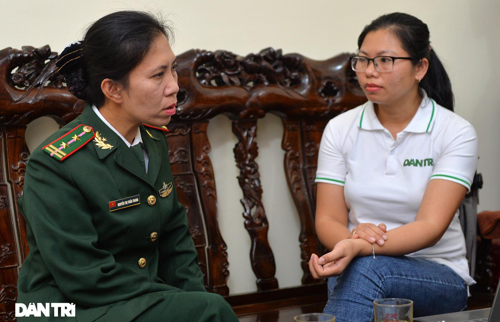 Người mẹ biên phòng của những đứa trẻ tộc người ngủ ngồi Đan Lai - Ảnh 2.