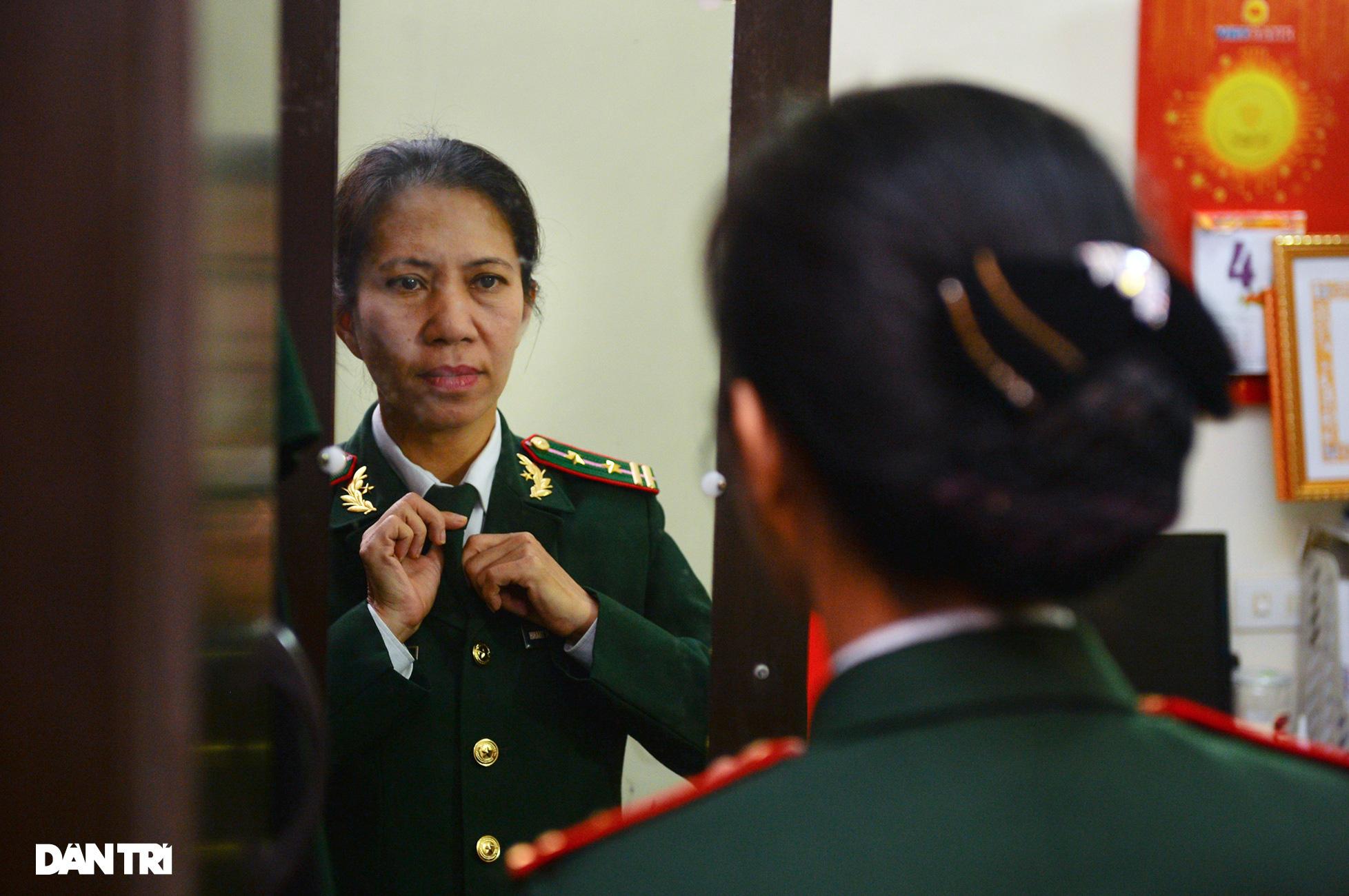 Người mẹ biên phòng của những đứa trẻ tộc người ngủ ngồi Đan Lai - Ảnh 5.
