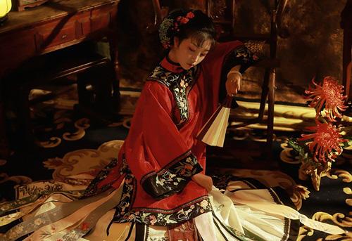 Vị phi tử cuối cùng của nhà Thanh tiết lộ bí mật phòng the gây sốc của hoàng đế Phổ Nghi - Ảnh 2.