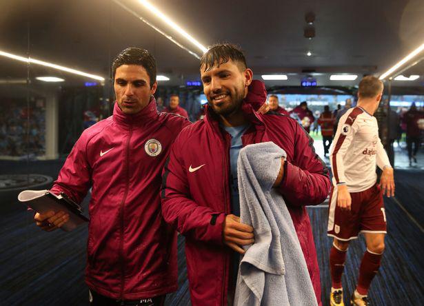 Arteta có mối quan hệ tốt với Aguero.