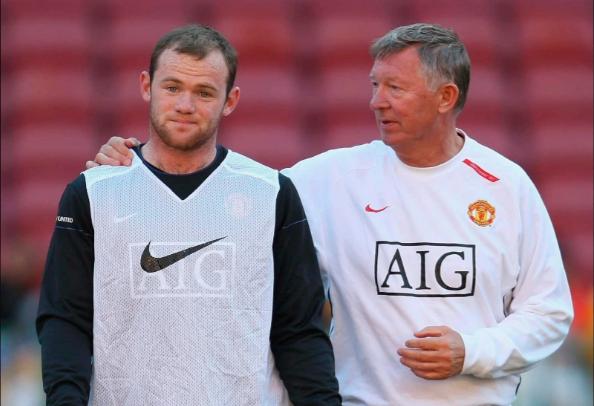 Sir Alex Ferguson bất lực với tật xấu của Rooney ngoài sân cỏ.