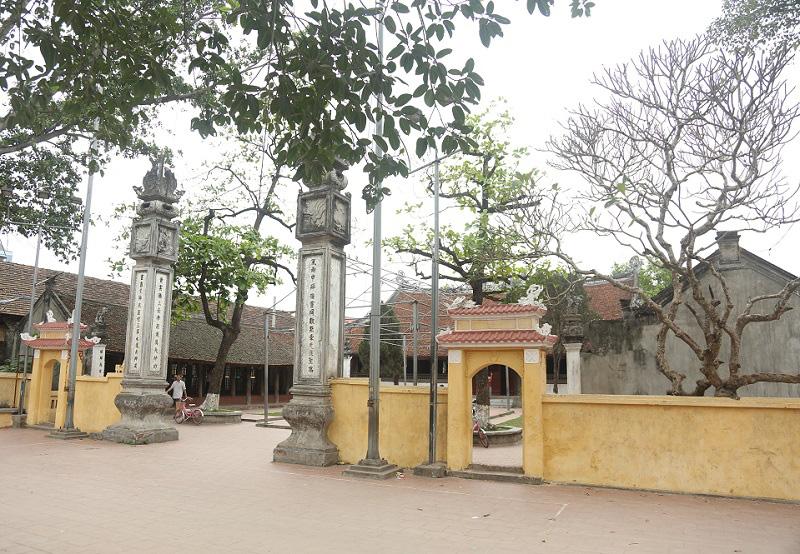 Ngắm nhìn mô hình đình làng hơn 300 năm siêu nhỏ của nghệ nhân Hà Nội - Ảnh 1.