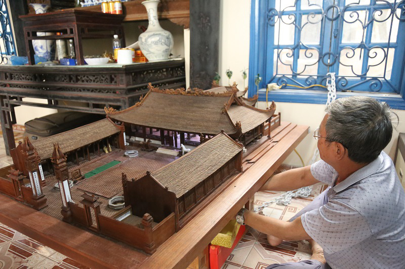 Ngắm nhìn mô hình đình làng hơn 300 năm siêu nhỏ của nghệ nhân Hà Nội - Ảnh 6.