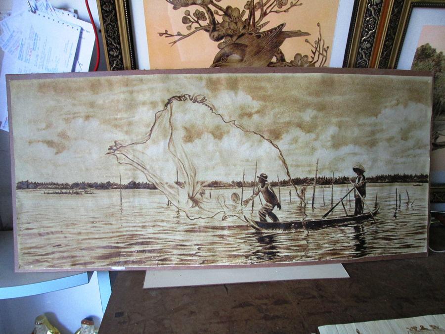 Độc đáo tranh từ lá thốt nốt của nghệ nhân vùng Bảy Núi  được công nhận sản phẩm OCOP - Ảnh 2.
