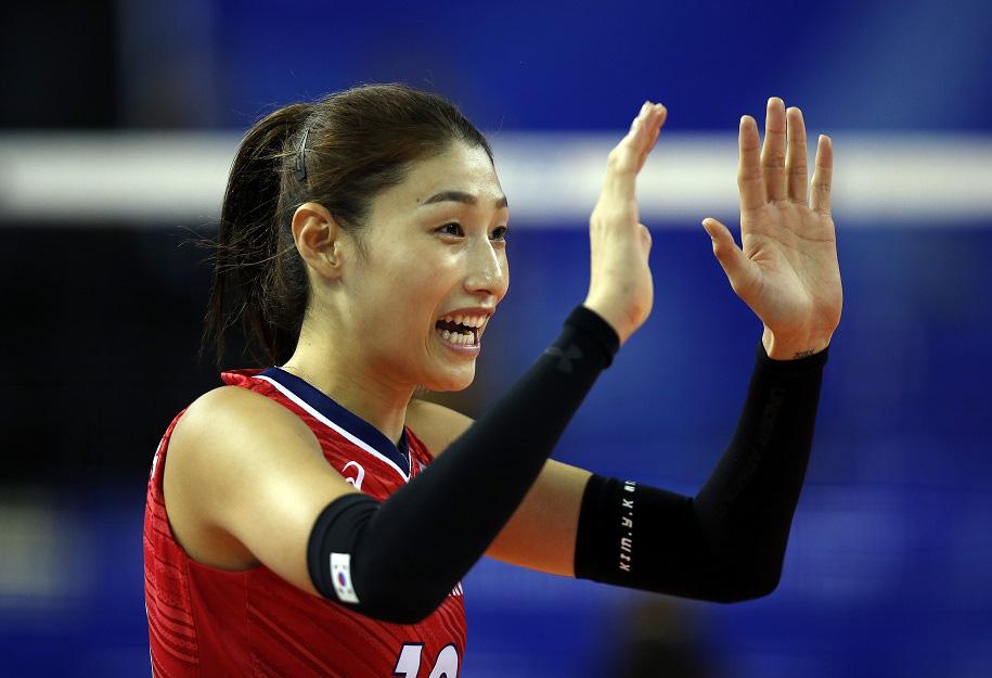 Nữ thần bóng chuyền cao 1m92: Tài năng, xinh đẹp và... siêu giàu - Ảnh 1.