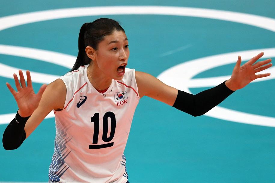 Nữ thần bóng chuyền cao 1m92: Tài năng, xinh đẹp và... siêu giàu - Ảnh 4.