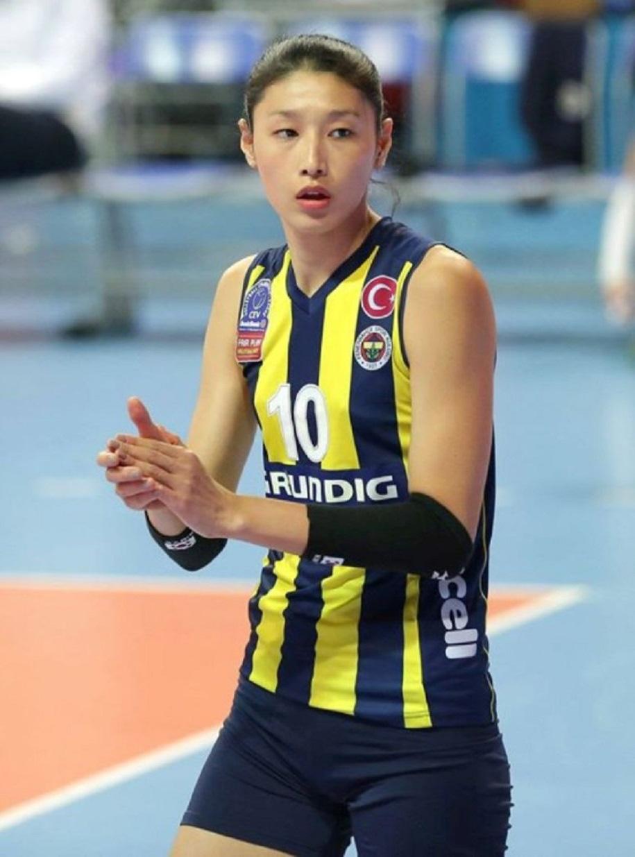 Nữ thần bóng chuyền cao 1m92: Tài năng, xinh đẹp và... siêu giàu - Ảnh 8.