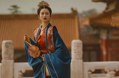 Vị hoàng đế chung tình nhất lịch sử, 18 năm trị vì chỉ độc sủng một hoàng hậu - Ảnh 3.