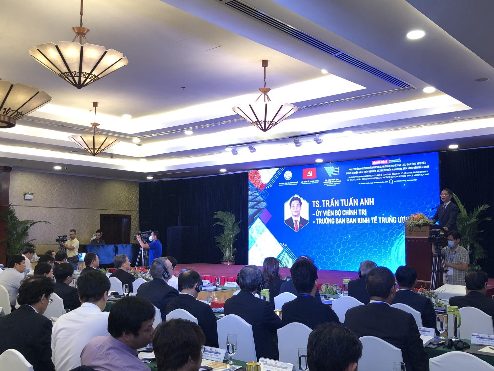 Nhân lực của ngành công nghiệp vật liệu Việt Nam còn thiếu và yếu - Ảnh 2.