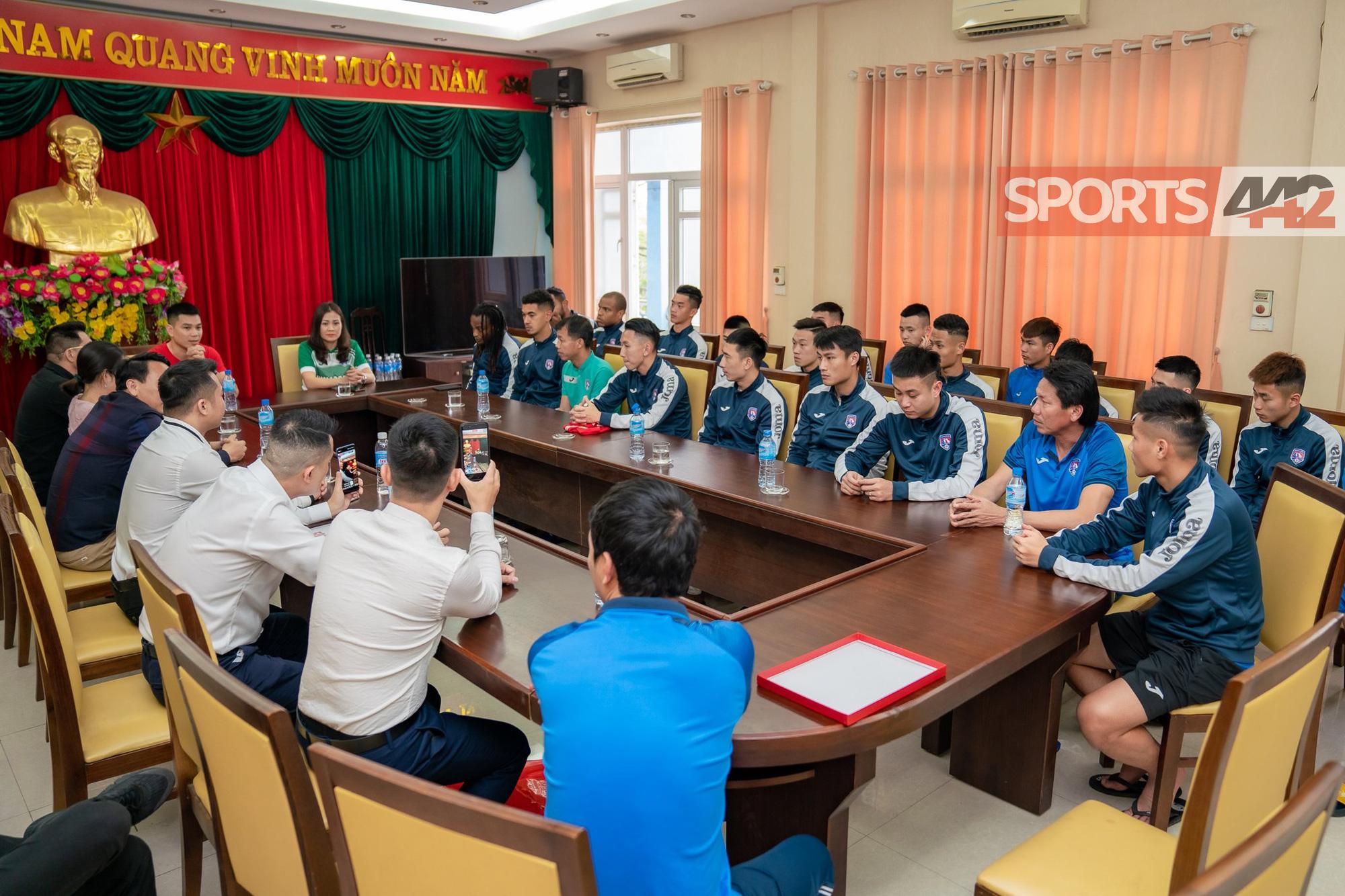 NÓNG: CLB Than Quảng Ninh được nhóm CĐV đặc biệt tặng 1,5 tỷ - Ảnh 3.