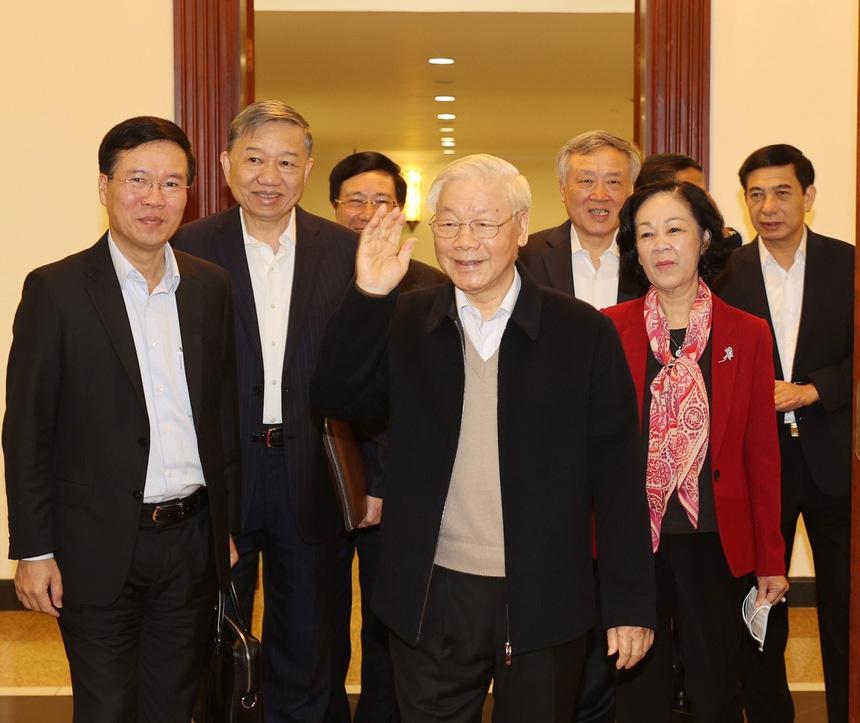 Chức vụ của các Ủy viên Bộ Chính trị sau khi Đảng phân công, Quốc hội kiện toàn - Ảnh 1.