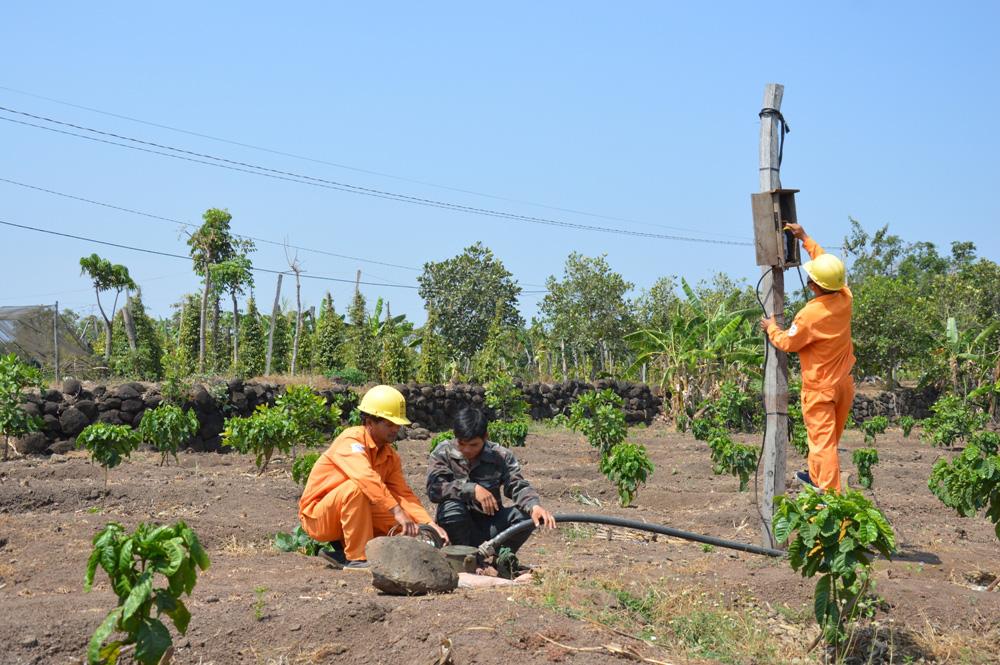 Công ty Điện lực Đắk Nông: Tăng cường kiểm tra, giám sát mua bán điện mùa nắng nóng - Ảnh 1.