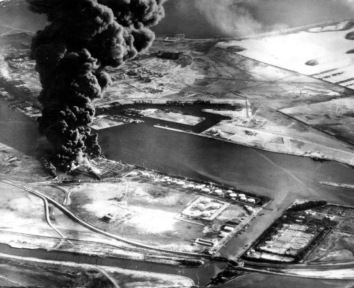 Những cuộc khủng hoảng nào từng khiến kênh đào Suez phải đóng cửa? - Ảnh 1.