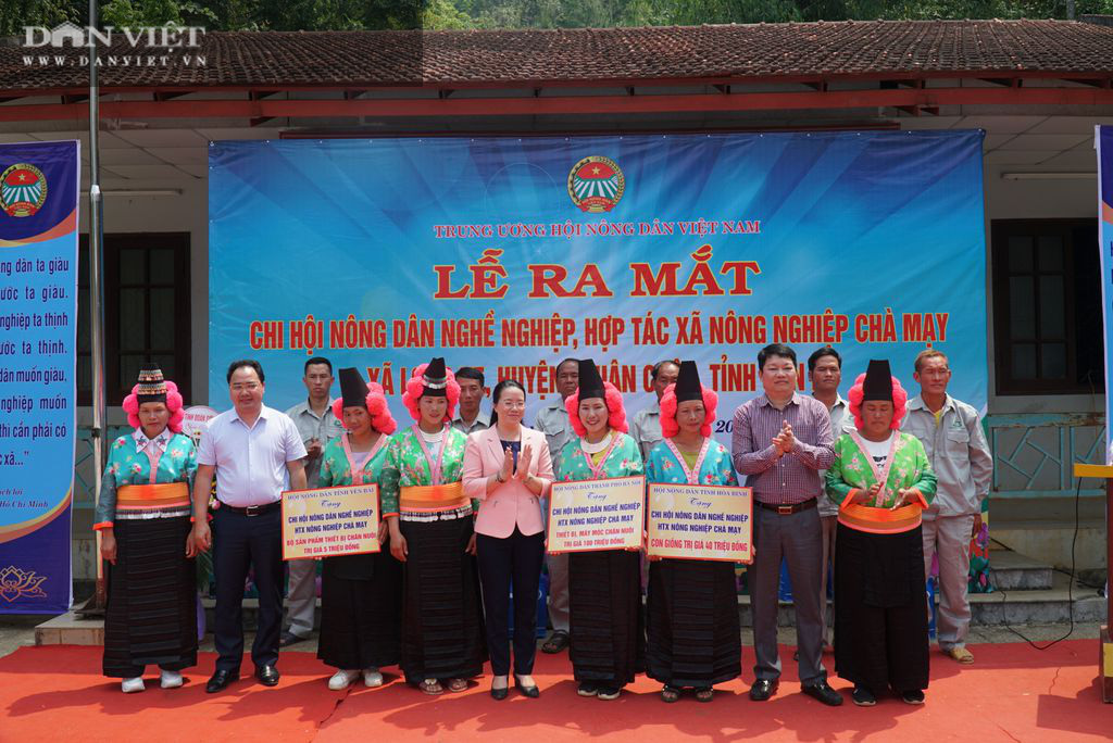 Chủ tịch Hội Nông dân Việt Nam dự lễ ra mắt chi hội ND nghề nghiệp ở xã đặc biệt khó khăn tại Sơn La - Ảnh 2.