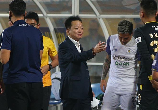 Hà Nội FC thắng Than Quảng Ninh, bầu Hiển ăn mừng như vô địch - Ảnh 3.
