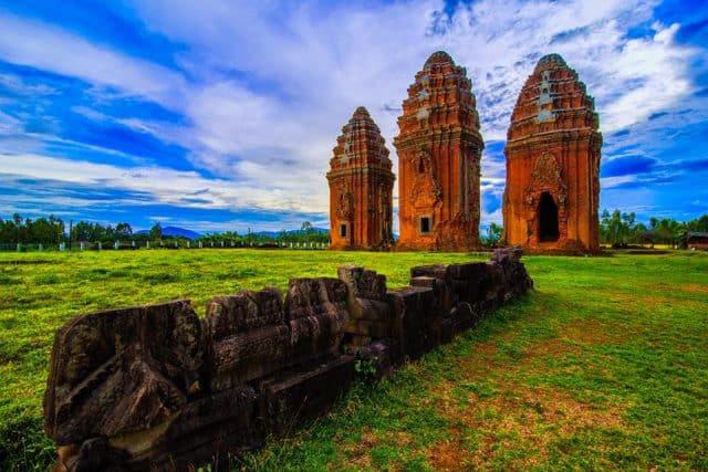 Bí ẩn 14 ngôi tháp cổ Việt Nam: Dấu vết một nền văn minh huy hoàng - Ảnh 1.