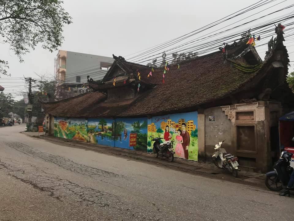 """Vĩnh Phúc: Đình Tiên Lữ bị """"thay áo mới"""" khiến cư dân mạng bức xúc - Ảnh 2."""