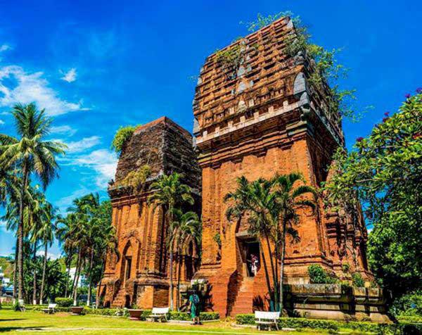 Bí ẩn 14 ngôi tháp cổ Việt Nam: Dấu vết một nền văn minh huy hoàng - Ảnh 2.
