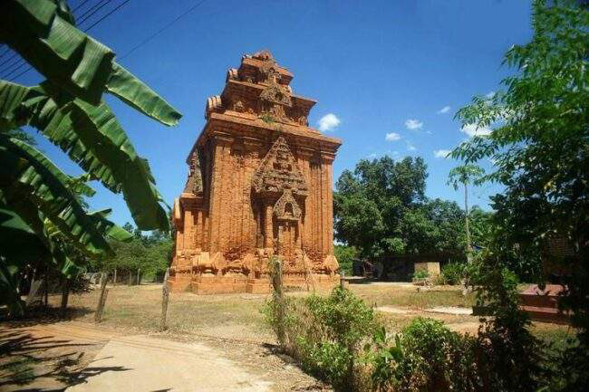 Bí ẩn 14 ngôi tháp cổ Việt Nam: Dấu vết một nền văn minh huy hoàng - Ảnh 4.