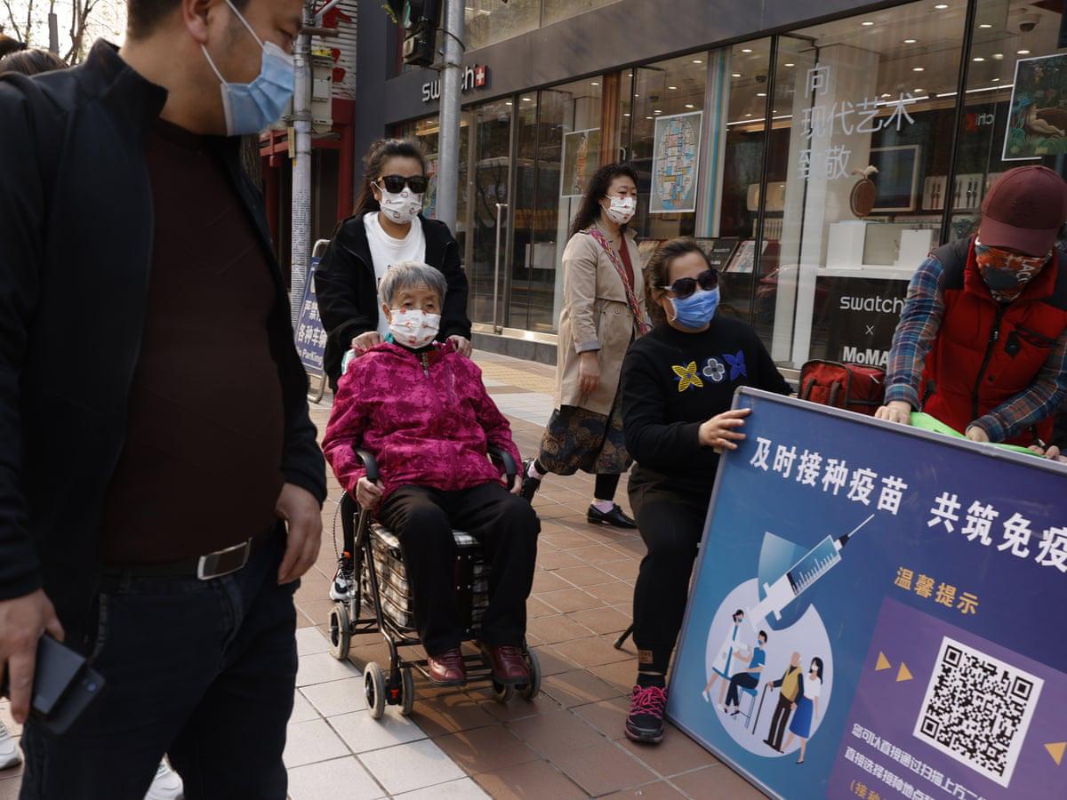 Trung Quốc cân nhắc thử nghiệm trộn lẫn ccc loại vắc-xin COVID-19 nhằm tăng cường hiệu quả - Ảnh 2.