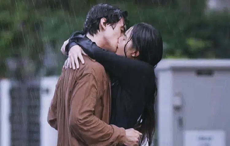 Bí mật đằng sau cảnh hôn trên phim truyền hình Việt - Ảnh 1.