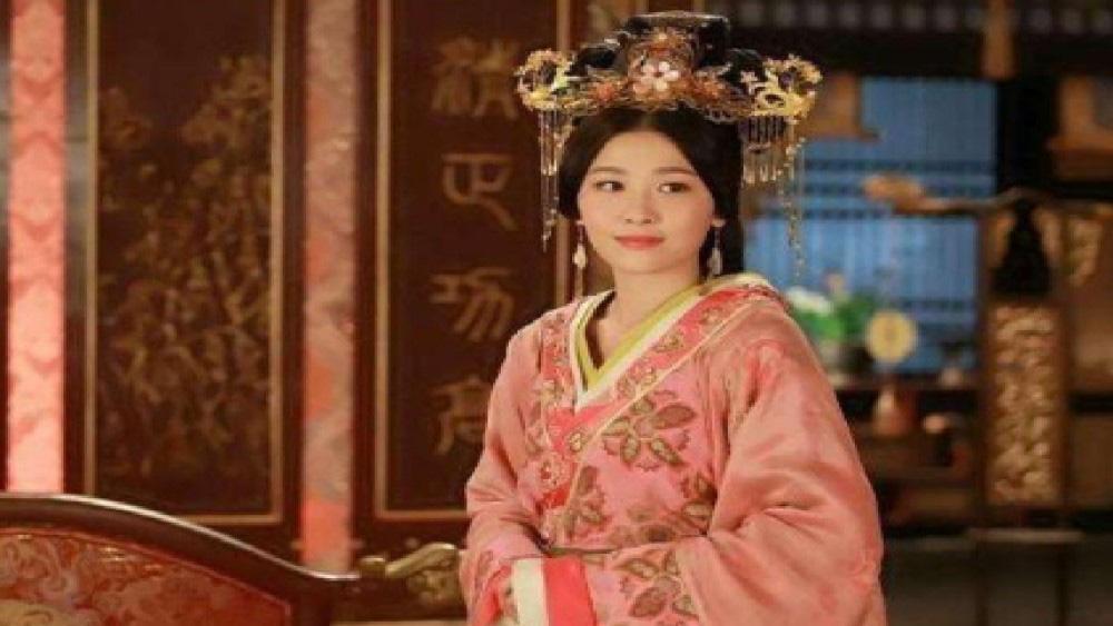 Công chúa trắc trở nhất lịch sử: Trải qua 8 triều đại, 7 vị hoàng đế mới lên ngôi hoàng hậu ở tuổi 83 - Ảnh 4.