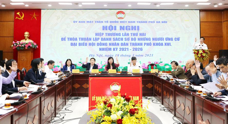 Hà Nội: 1 người ứng cử ĐBQH bị bắt tạm giam để điều tra, 6 người xin rút - Ảnh 1.