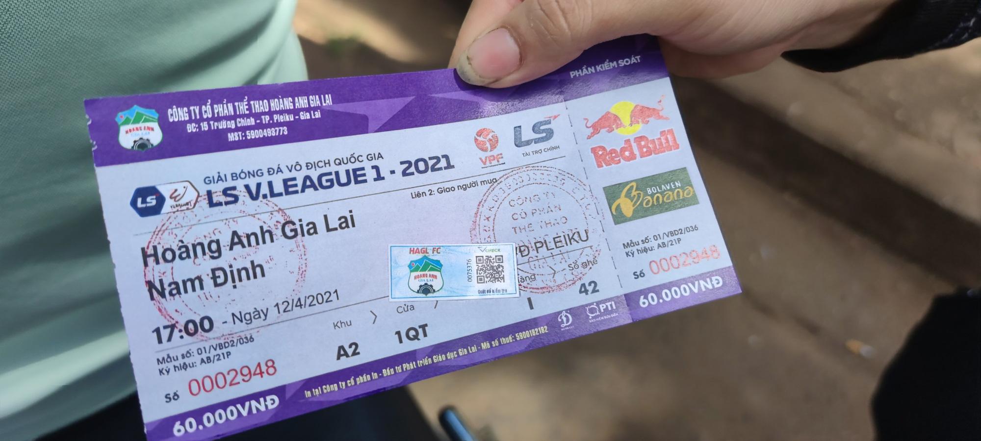 Căng thẳng vé xem HAGL tiếp Nam Định vòng 9 V.League 2021 - Ảnh 2.