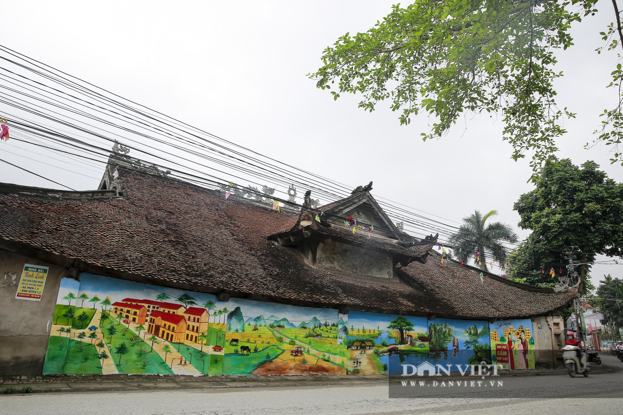 Đình làng cổ gần 200 năm tuổi tại Vĩnh Phúc bị xâm phạm cảnh quan di tích lịch sử  - Ảnh 1.