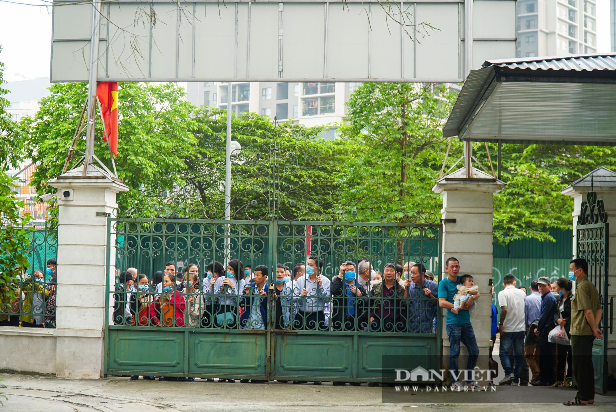 Ông Mai Văn Tinh cùng 18 bị cáo đến hầu toà vụ Gang thép Thái Nguyên - Ảnh 1.