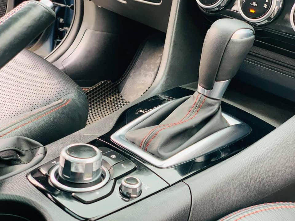 Mazda 3 đời 2015 màu xanh ngọc, chạy chỉ 4 vạn, rao bán giá bất ngờ - Ảnh 4.