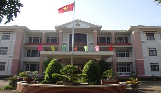 Khởi tố nguyên Phó chủ tịch UBND huyện vì cấp giấy chứng nhận quyền sử dụng đất trái pháp luật - Ảnh 1.